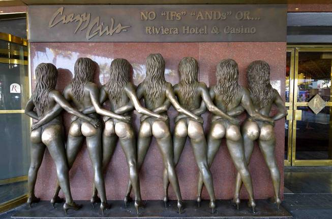 Crazy Girls Statue Las Vegas
