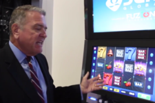 multi-tasking slotmachines compete with online casinos